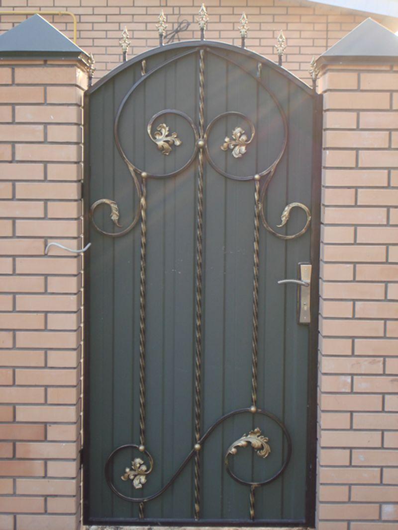 входные металлические двери москва кованые